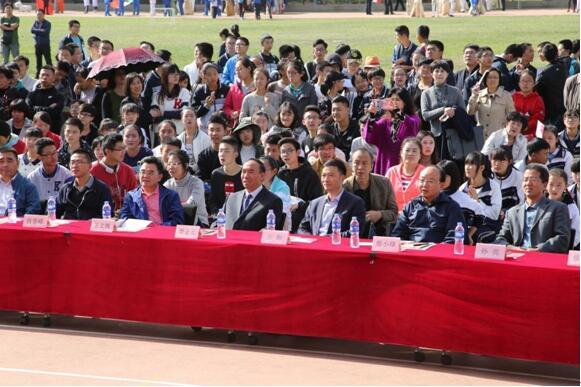 体验多元文化  对话世界文明——西北师大附中举行第九届世界嘉年华活动