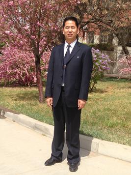 党委副书记:周爱祖(高级教师)